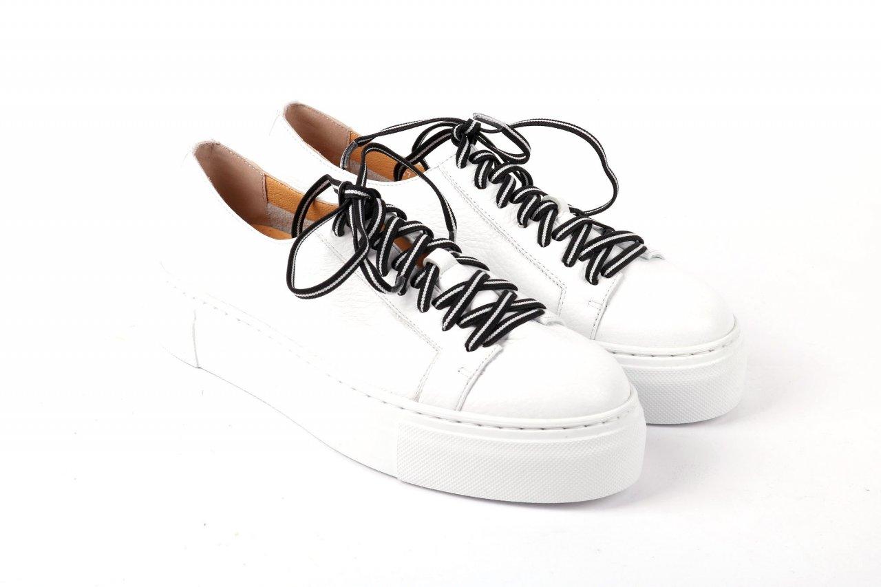 Trumans Sneakers weiß