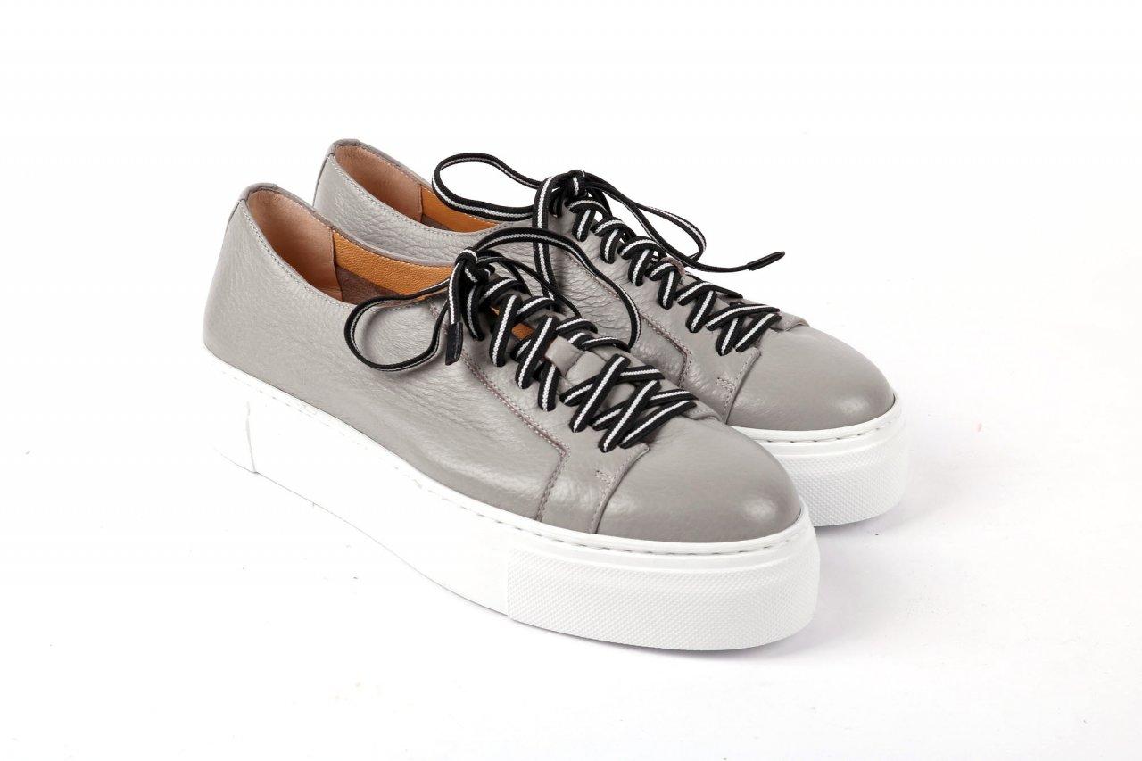 Trumans Sneakers grau